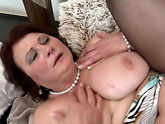 Chubby chick Dalia makes a dick disappear in her wet pussy