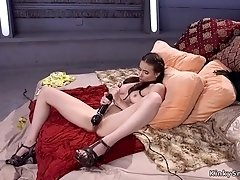 Brunette beauty anal fucked by machine