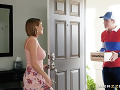 MILF slut Krissy Lynn seduces the delivery guy and eats his cum