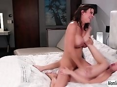 Jane Wildes secret sex relationship with stepmom Alexis Fawx