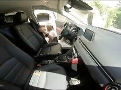 Diana en voiture