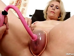 yvonne old pussy