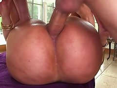 Big ass slut needs it in the ass