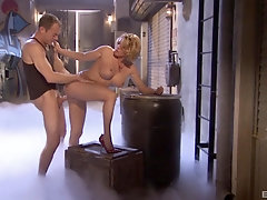 Pussy licking and hard sex are the best actions for horny girl Krissy Lynn