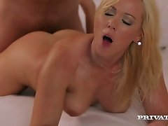 Spectacularly sexy slut with big tits tens to get wild in the bedroom