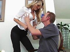 Amateur couple enjoy fucking hardcore doggystyle