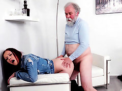Old Goes Young - Sexy babe obeys old photographer who tells