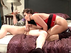 Gorgeous 69 sex and oral with alluring Kelly Divine
