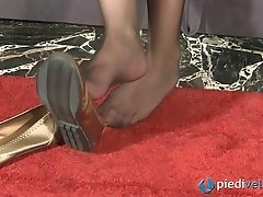 Gorgeous Italian girl Diana has pretty feet in nylons