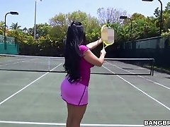Bubble butt Kiara Mia enjoys riding a black dick on a tennis court