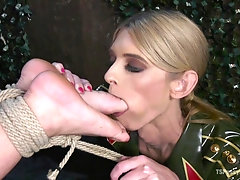 Foot fetish blowjob and hard anal sex are favorite actions for Savannah Fox