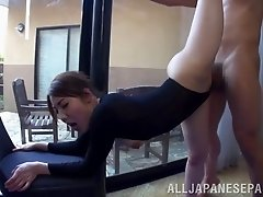 Gymnast does splits and bangs a pair of guys in a threesome