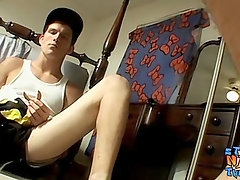 Straight twink jacking it off in front of a mirror