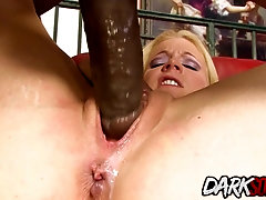 Blondie Heidi Mayne Goes to Town on a BBC Before Shoving It up Her Ass