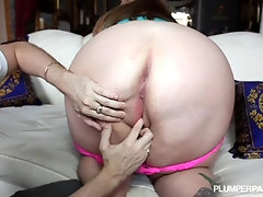 Chubby Girl naked sucking dick and fucked