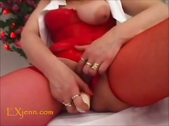 Mature hot lesbians play with dildo